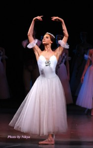 Yekaterina Kondaurova as Myrtha in Giselle