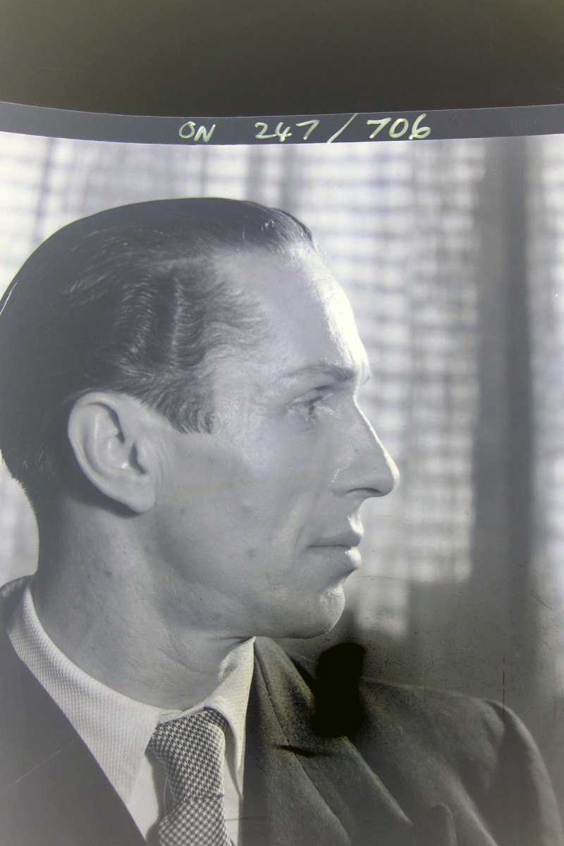 Valentin Zeglovsky, photo © Max Dupain, 1947