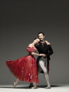 Lucinda Dunn and Robert Curran, Onegin - photo © Georges Antoni