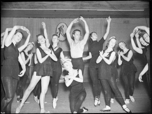 Zeglovsky school, rehearsal for Les Sylphides, Sydney, October 1939,