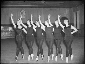 Zeglovsky school, rehearsal, Sydney, October 1939