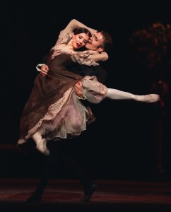 Alina Cojocaru and Johan Kobborg in Onegin. Photo, Dee Conway / ROH ©