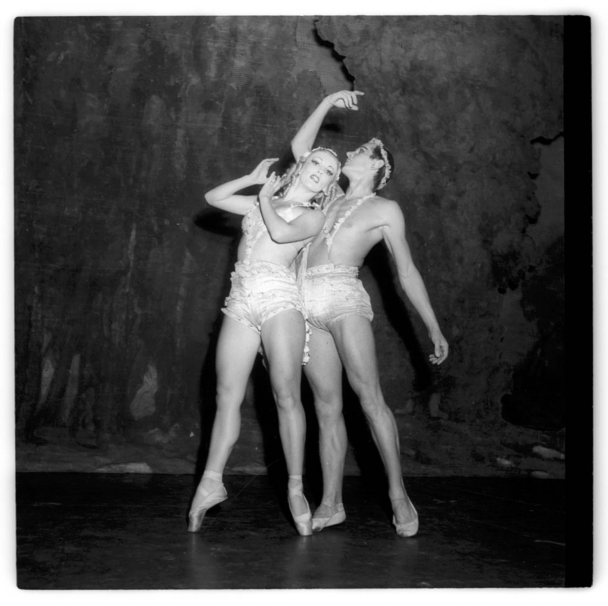 Tatiana Riabouchinska and Roman Jasinsky in Les Dieux mendiants, photo Max Dupain, courtesy State Library of NSW, Mitchell Library, PXA 945/54- 55
