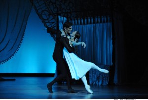 Andrew Killian and Madeleine Eastoe in the Australian Ballet's Onegin, Act I, photo © Branco Gaica
