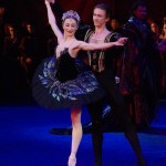 Daria Klimentova and Vadim Muntagirov, Black Swan pas de deux, photo © John Ross