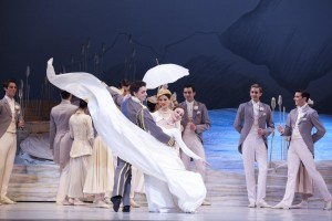 Graeme Murphy's Swan Lake, with Kevin Jackson and Madeleine Eastoe, photo © Lisa Tomasetti