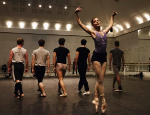 Darcey Bussell, in rehearsal for Tanglewood, choreographed by Alastair Marriott, 2005, photo © Johan Persson