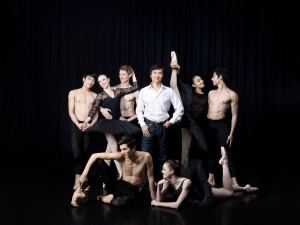 Li Cunxin with Queensland Ballet principals and soloists, photo © Alexia Sinclair