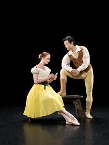 Gillian Murphy and Qi Huan in Giselle
