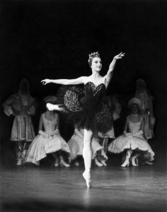 Marilyn Jones, Swan Lake 1962, photo courtesy of the Australian Ballet