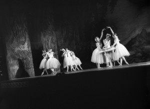 Swan Lake, Royal Ballet, Empire Theatre, Sydney, September 1958, courtesy State Library of NSW, Mitchell Library, Australian Photographic Agency - 05766