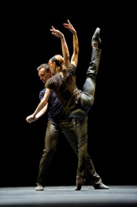 Sylvie Guillem with Nicolas le Riche, Rearray by William Forsythe, photo © Bill Cooper