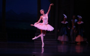 Meng Ningning as CInderella in Ben Stevenson's Cinderella, photo © David Kelly