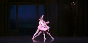 Meng Ningning and Hao Bin in Ben Stevenson's Cinderella, photo ©  David Kelly