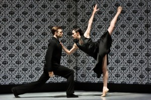 Fernando Hernando Magadan and Danielle Rowe, Shoot the Moon, Nederlands Dans Theater, photo © Prudence Upton