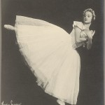 Anna Volkova in Les sylphides, Ballets Russes, ca. 1930s, photo © Maurice Seymour, National Library of Australia