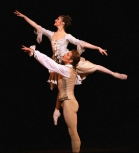 Alina Cojocaru and Johan Kobborg, Manon, the Royal Ballet, photo © Bill Cooper