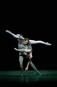 Johan Kobborg and Alina Cojocaru, Manon, the Royal Ballet 2003, photo © Bill Cooper