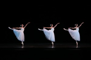 Dimity Azoury, Natasha Kusen and Robyn Hendricks, Suite en blanc, photo courtesy the Australian Ballet 2014