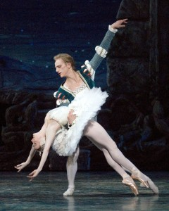 Gillian Murphy and David Hallberg, Swan Lake, ABT, photo © MIRA
