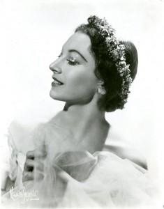 Lucia Chase, photo © Maurice Seymour