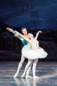 Cory Stearns and Hee Seo, ABT's Swan Lake, photo © Darren Thomas