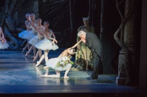 ABT's Swan Lake, opening night curtain call, Hee Seo and conductor, Ormsby Wilkins, photo © Darren Thomas