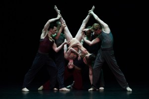 Parenthesis, Sydney Dance Company, photo © Wendell Teodoro