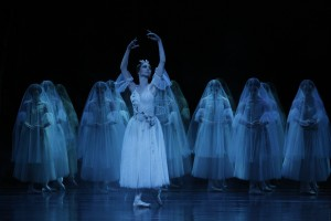 Dimity Azoury and artists of the Australian Ballet, Giselle, photo © Jeff Busby