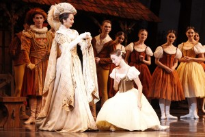Natasha Kusen and Madeleine Eastoe, Giselle, photo © Jeff Busby