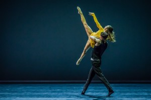 Chloe Yeong and Sam Young Wright, Quintett, Sydney Dance Company, photo © Peter Greig