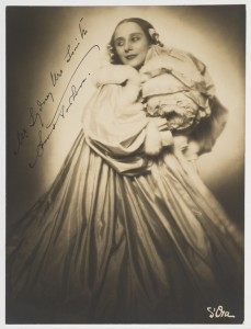 Anna Pavlova, in costume for Christmas, photo, S'Ora, Mitchell Library, State Library of NSW