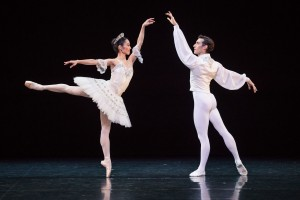 Miwako Kubota and Brett Chynoweth, Grand Pas Classique, photo © Daniel Boud