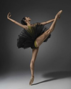 Kristy Lee Denovan, Melbourne Ballet Company, photo © Taylor-Ferne Morris