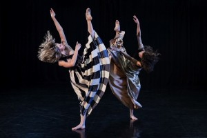 Holly Doyle and Janessa Dufty, Full Moon, Sydney Dance Company, photo © Pedro Greig