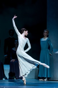 Lauren Cuthbertson and Zenaida Yenowsky, The Winter's Tale, Royal Ballet, photo © Darren Thomas