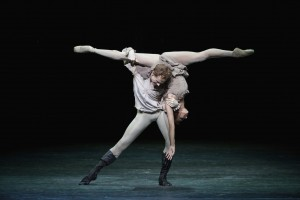 Frances Hayward and Edward Watson, Manon, Royal Ballet, photo © Alice Pennefather